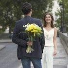 ¿Cómo saber si un hombre está saliendo con dos mujeres al mismo tiempo?