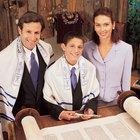 O que é apropriado para uma mulher vestir em um templo judeu?