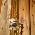 Cómo reparar una fuga en una tubería de cobre sin tener que soldar