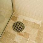 Los desagües de la cocina y el baño están conectados y causan una obstrucción en el baño