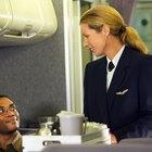 Los pros y los contras de ser un auxiliar de vuelo