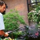 Como misturar o herbicida Roundup para pulverização?