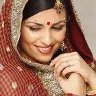 ¿Cómo se llaman las joyas que las mujeres indias usan en la frente?