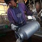 Como remover ferrugem de uma lata de leite velha