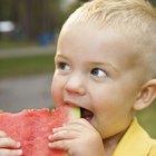 Cómo hacer que los bebés comiencen a masticar su comida
