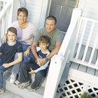 Cómo transferir la escritura de una propiedad a hijos menores de edad