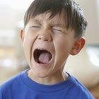 Razones por las que los niños se portan mal y qué pueden hacer los padres para corregirlos