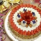 Como cortar morangos ornamentalmente para decorar bolos e tortas