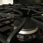 Como limpar grelhas de ferro fundido num fogão à gás