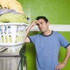 Cómo suavizar una camisa rígida