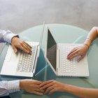 Ventajas y desventajas de tener políticas organizativas que tratan el romance en el ambiente laboral