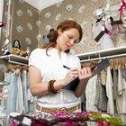 ¿Cuál es el salario de un empleado de almacén en una tienda de ropa?
