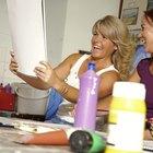 ¿Cómo quitar una gota de pintura seca de un mueble?