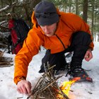 Tipos de madeira para fazer fogo com arco e broca