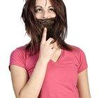 Como grudar uma barba falsa no rosto