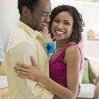 Cómo conseguir que tu novio te abrace sin que se lo pidas