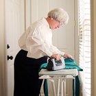 Como remover amassados de um vestido de seda e lã
