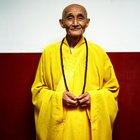 Cómo saludar a un monje budista tibetano