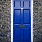 Como reparar tintura descascada em portas