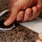 Como remover tinta dos dedos?