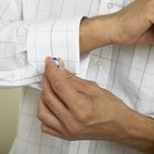 Cómo usar una camisa de puños franceses con un traje