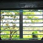 Como colocar massa de vidraceiro nas janelas