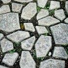 Cómo diseñar el jardín con caminos de piedras y adoquines