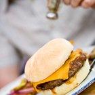 Como aquecer um hambúrguer do dia anterior