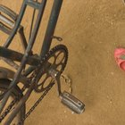 How to Remove a Crank on a Schwinn Bicycle