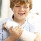 Como impermeabilizar o gesso no braço do meu filho