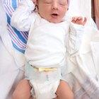 ¿Cuánto tiempo debes dejar dormir a un recién nacido antes de despertarlo para alimentarlo?