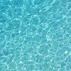 Como reduzir a alcalinidade de uma piscina usando ácido muriático