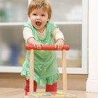 ¿Qué juguetes de empuje son buenos para que los bebés desarrollen su motricidad gruesa?