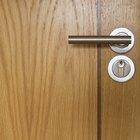 Cómo hacer puertas a prueba de ruido