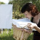 Cómo quitar el aceite de pescado de las prendas y de la ropa para lavar