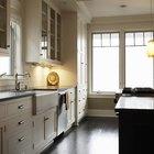 Como limpar óleo derramado no chão da cozinha