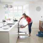 Cómo reparar un lavavajillas que despide espuma