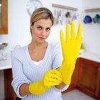 Cómo quitar el vómito de la ropa y de los edredones