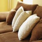 Cómo decorar una habitación con un sofá marrón chocolate
