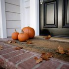 Cómo evitar que entre el agua de lluvia a través de las puertas de entrada de tu casa