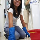 Cómo quitar la tinta de un piso de baldosas