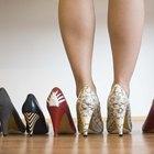 ¿Qué color de zapatos debería usar con un vestido café?