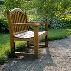 How to Treat an Oak Bench for Outdoor Usage