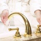 Eliminar las manchas verdes de los grifos de bronce