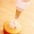 Cómo impedir que el glaseado de crema batida se derrita