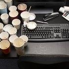 A história dos copos de plástico