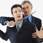 Cómo tratar con un jefe que te habla con tono ofensivo