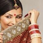 ¿Cuál es el significado de las joyas que se colocan las mujeres hindúes en la cabeza?
