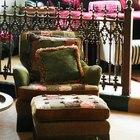 How to form corners when upholstering a foot stool