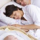 Cómo mantener redonda la cabeza de un recién nacido